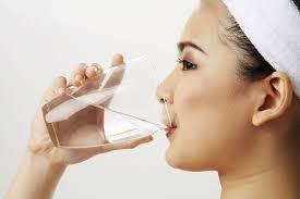 Uống nhiều nước cũng có hại cho cơ thể